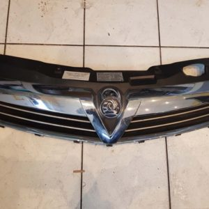 Opel Astra H hűtő díszrács