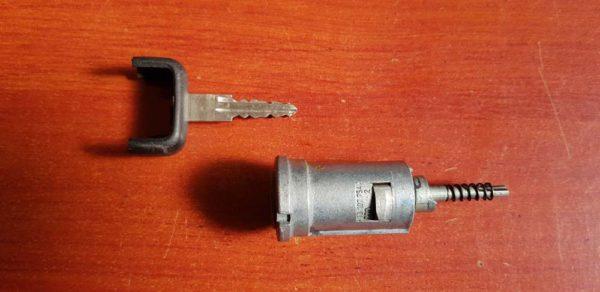 Opel Astra G, Zafira A gyújtáskapcsoló zárbetét