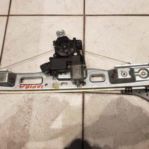 Opel Zafira C jobb hátsó elektromos ablakemelő szerkezet