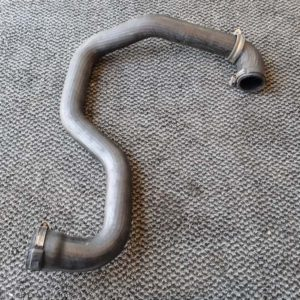 Opel Vivaro A bal alsó intercooler cső