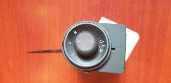 Opel Astra J, Insignia A, Meriva B elektromos tükör állító kapcsoló