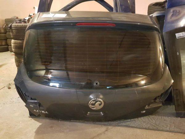 Opel Astra J csomagtérajtó