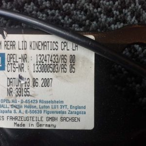 Opel Astra H tető zárszerkezet bal