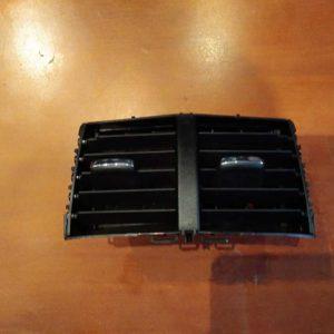 Ford Mondeo V 2.0 Hybrid hátsó szellőző