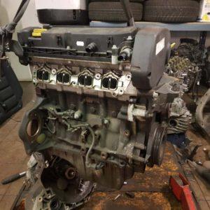 Opel Astra H, Zafira B Z16XER motor, fűzött blokk hengerfejjel