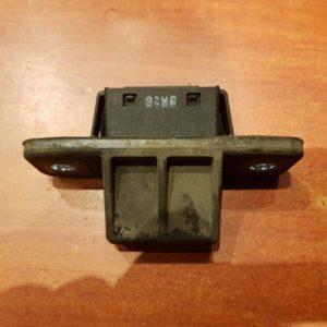 Mazda 6 kombi csomagtérajtó mikrokapcsoló