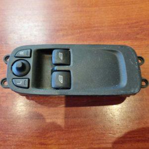 Volvo C30 bal első ablakemelő és tükörállító kapcsoló
