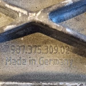 Porsche Boxster motortartó bak