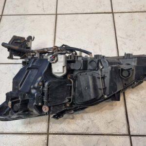 Lexus IS II jobb első fényszóró