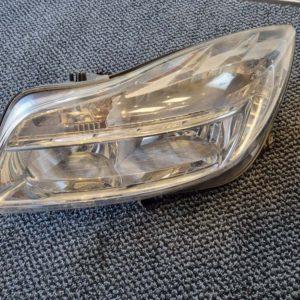 Opel Insignia A bal első fényszóró