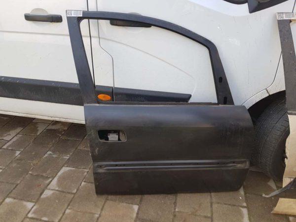 Opel Zafira A jobb első ajtó